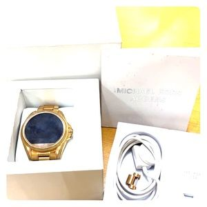 Michael kors smartwatch like new condition